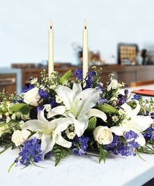 This gorgeous blue & white centerpiece will set the perfect holiday table.