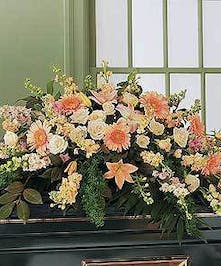 Comforting shades of peach roses, lilies & more